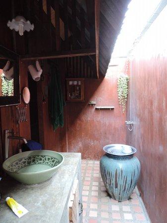 BaanBooLOo: bagno esterno