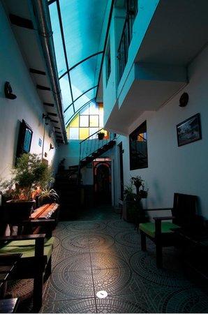 Casa Hospedaje Hatun Quilla : Front