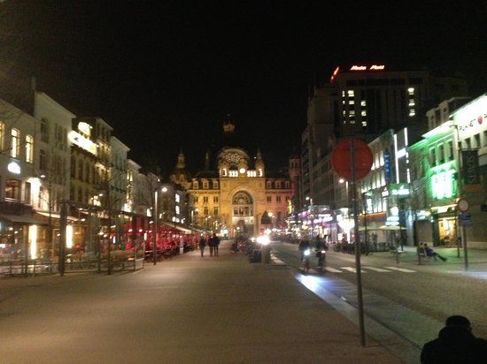 Hilton Antwerp Old Town: Grand Central...