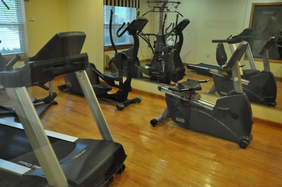 Country Inn & Suites by Radisson, Pineville, LA : Exercise Room
