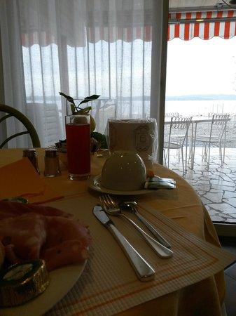 Hotel Du Lac: Tavolo colazione