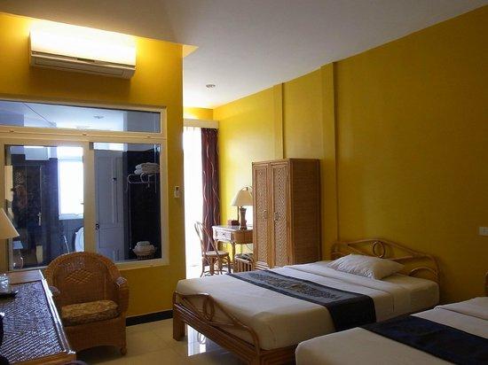Day Inn Hotel : 部屋