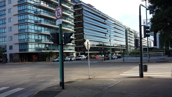 Hilton Buenos Aires: Outside the Hotel