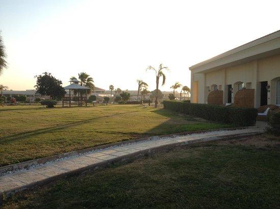 Maritim Jolie Ville Royal Peninsula Hotel & Resort : hotel grounds