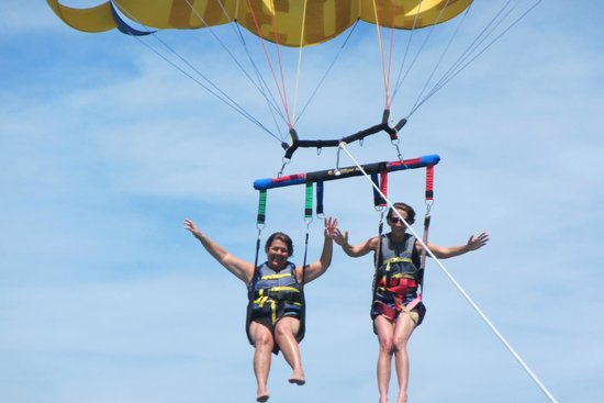 Siesta Key Watersports : Coming in for a perfect landing