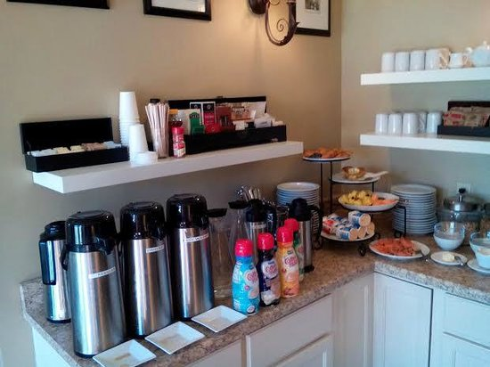 Victoria Inn: coffee bar continental breakfast