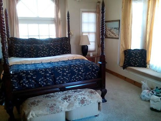 Victoria Inn: bed