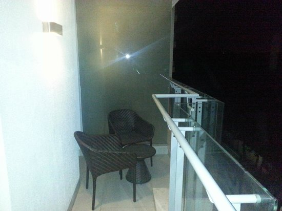 DoubleTree Suites By Hilton Bangalore : Balcony view 1