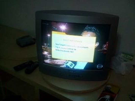 "Bay Park Resort Hotel : ""TV a gato"""