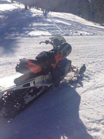 Zephyr Cove Resort Snowmobiling Tours: Snowmobile