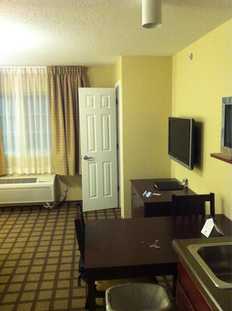Mainstay Suites: Check out my review