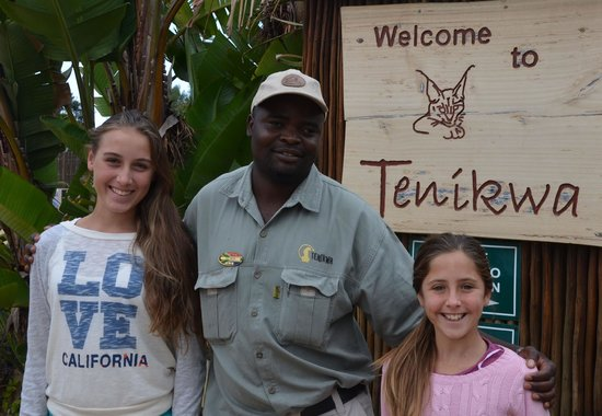 Tenikwa Wildlife Awareness Centre: Girls with our guide, Joel