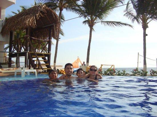 Crown Paradise Club Puerto Vallarta: alberca infinita