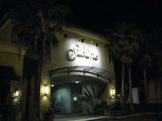 Sublime Restaurant & Bar : Seen from the outside