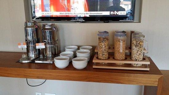 Holiday Inn Express Munich Airport: Breakfast