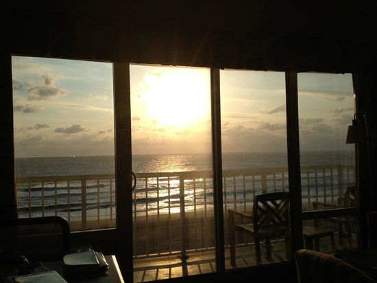 Hampton Inn Virginia Beach Oceanfront North: Amazing views from room