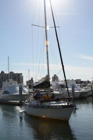 "Key Sailing: The 41-foot ""Key Breeze"""