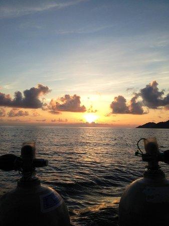 New Way Diving: Morning dive at chumpon pinnacle. Amazing!