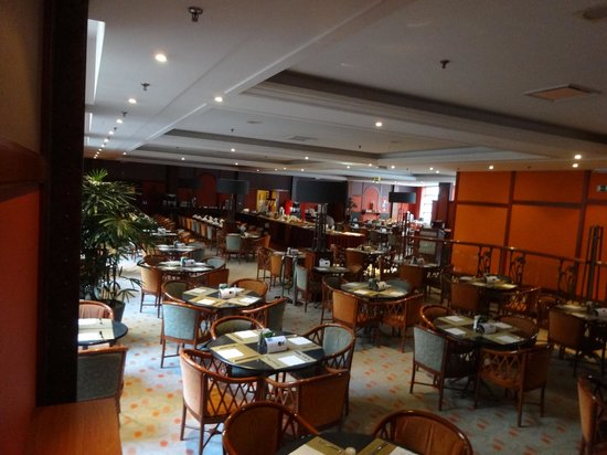 NH Gent Belfort: café da manhã do hotel