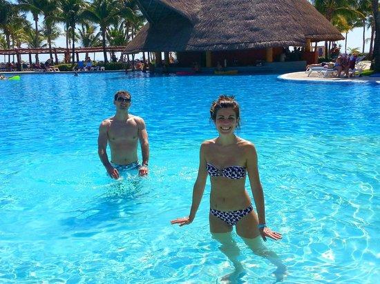 Barcelo Maya Colonial : pool