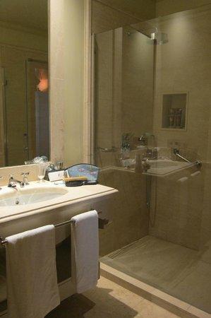 Boutique Hotel Casa del Poeta : bathroom