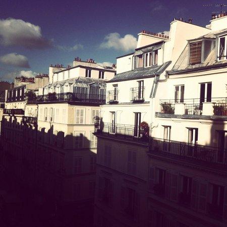 Hotel Aida Marais: Вид из окна