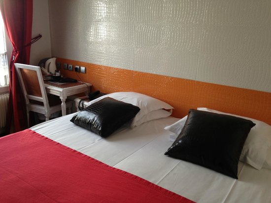 Hotel Aida Marais : Подушки