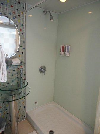 Cheung Chau B & B: Bathroom