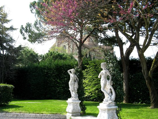 Hotel Eliseo Terme: Вид с бассейна