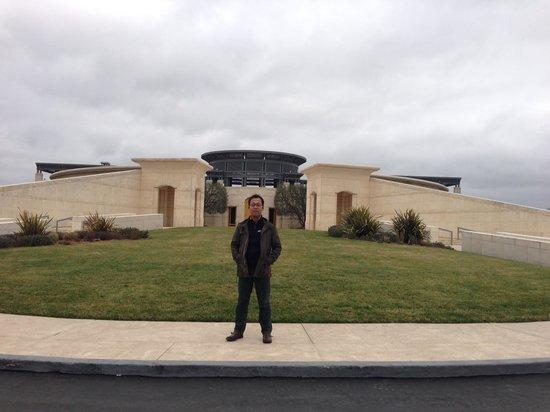 Opus One Winery : モダンな美術館のよう…