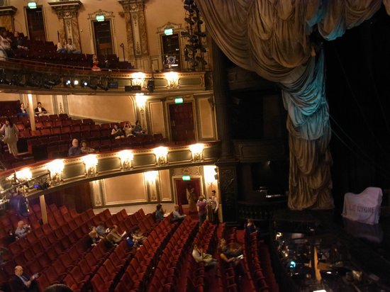 Phantom of The Opera London: 劇場