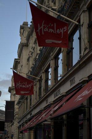 Hamleys London - Regent Street : Entrada