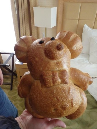 Bistro Boudin : $9.99 for a loaf of bread would be a bit much.  Good thing it's a bear.