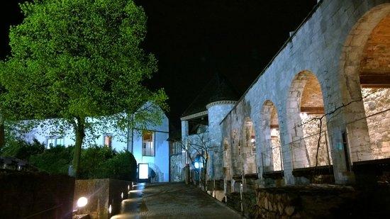 Restavracija Strelec: In der Burg