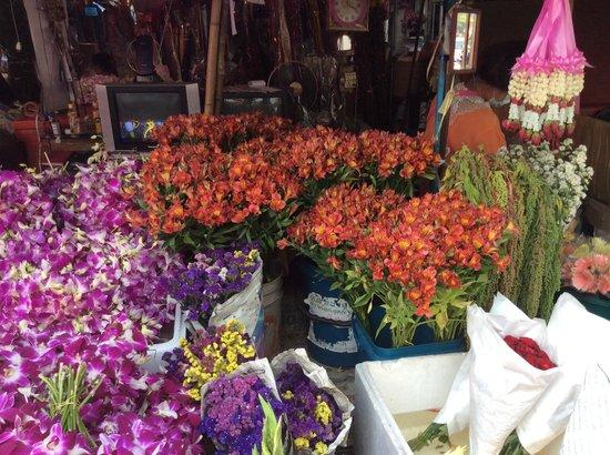 Mai Siam Resort: marché aux fleurs