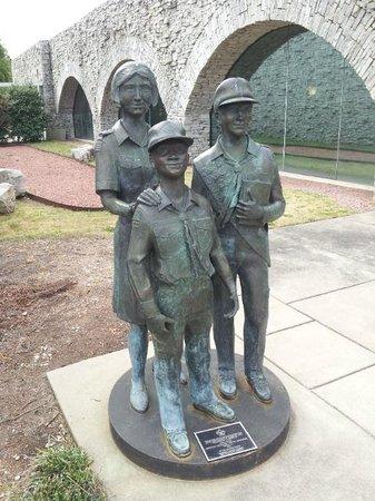 Statue of Liberty Replica : Scouts