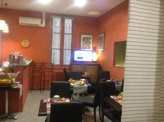 Cote Patio Hotel Nimes : Petit déjeuner