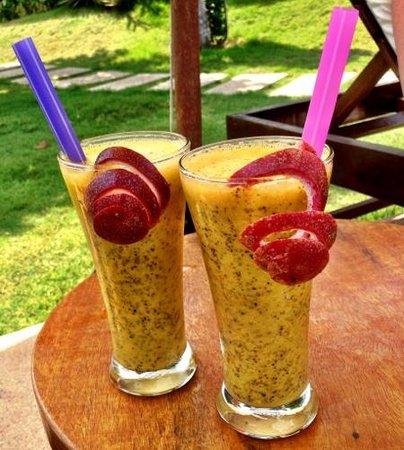 Navutu Dreams Resort & Wellness Retreat : Leckerer Drink am Pool
