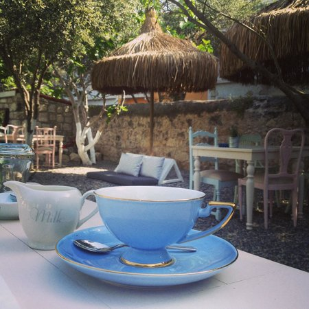 Vintage Boutique Hotel Alacati: Morning coffee.