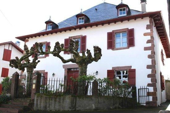 Vue de la maison Ziberoa