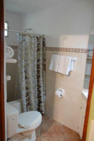 Park Eden Bed & Beakfast: salle de bains COLIBRI