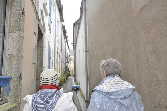 La Maison Bleue : visite des ruelles!
