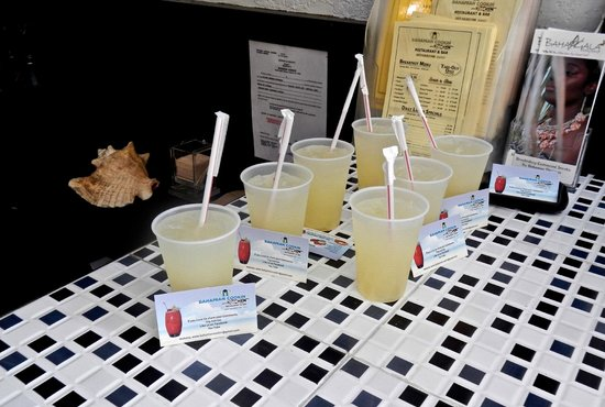 Bahamian Cookin' Restaurant & Bar: Lime Swisha to go