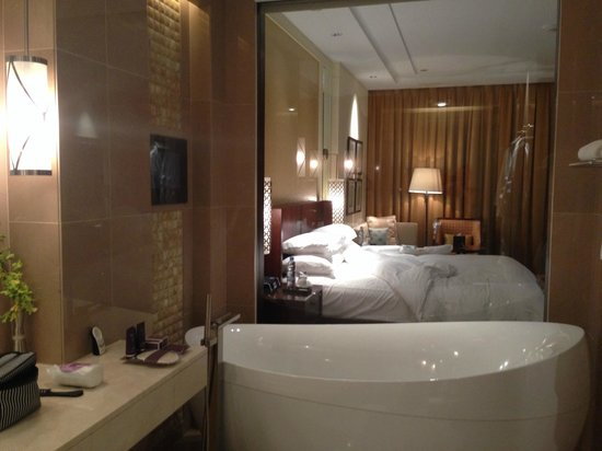 The Ritz-Carlton, Dubai: Basic Room - which was lovely