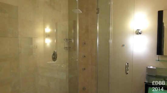 Room 201 (only steam shower) - Picture of Sterling Inn & Spa ...