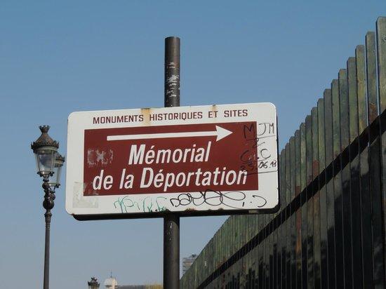 Mémorial des Martyrs de la Déportation : sign