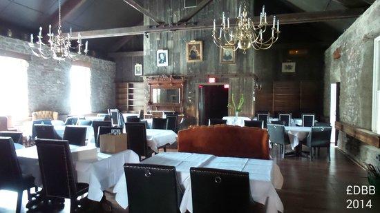 Old Stone Inn Boutique Hotel: restaurant