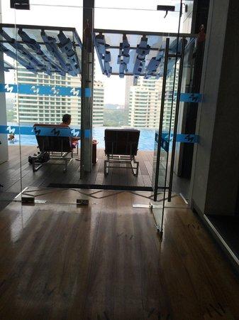 Aloft Kuala Lumpur Sentral: Pool view from elevator bank