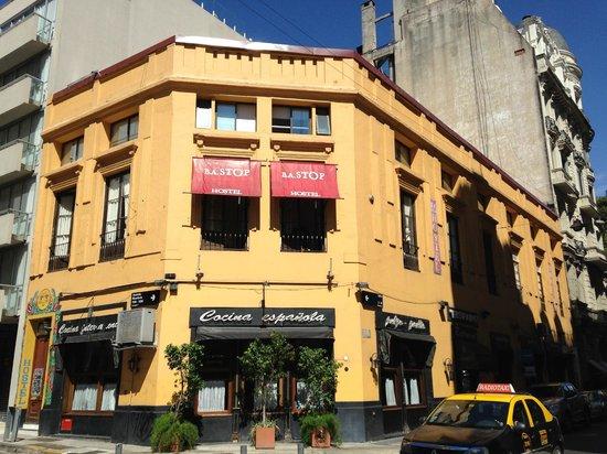 BA Stop Buenos Aires Hostel : Exterior