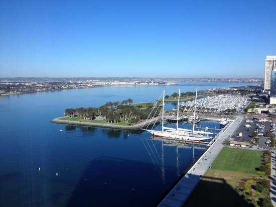Hilton San Diego Bayfront: The view from the 17th floor bay side room (room 1717 - 2 queen room)
